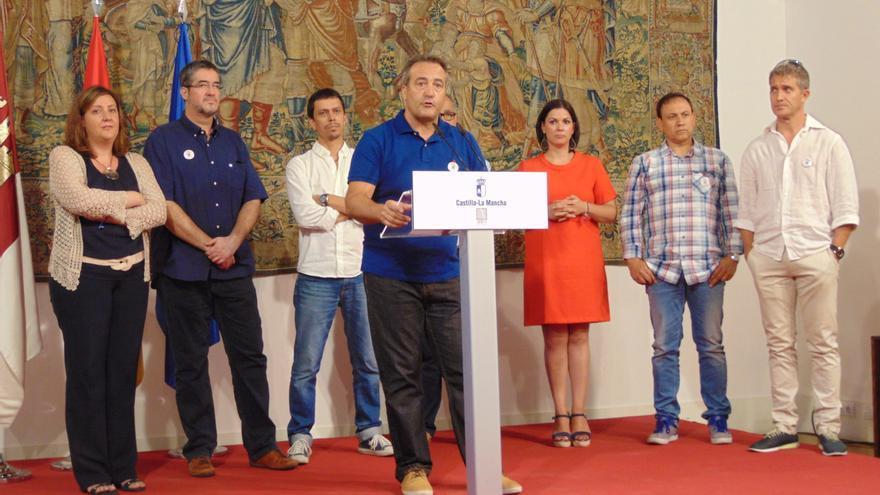 Representantes sindicales de Elcogas con la consejera de Empleo y la alcaldesa de Puertollano