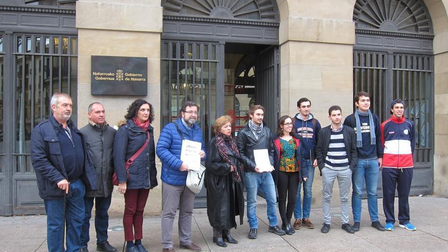 """Alumnos de la Universidad de Navarra presentan un recurso contra la convocatoria de becas por """"injusta y arbitraria"""""""