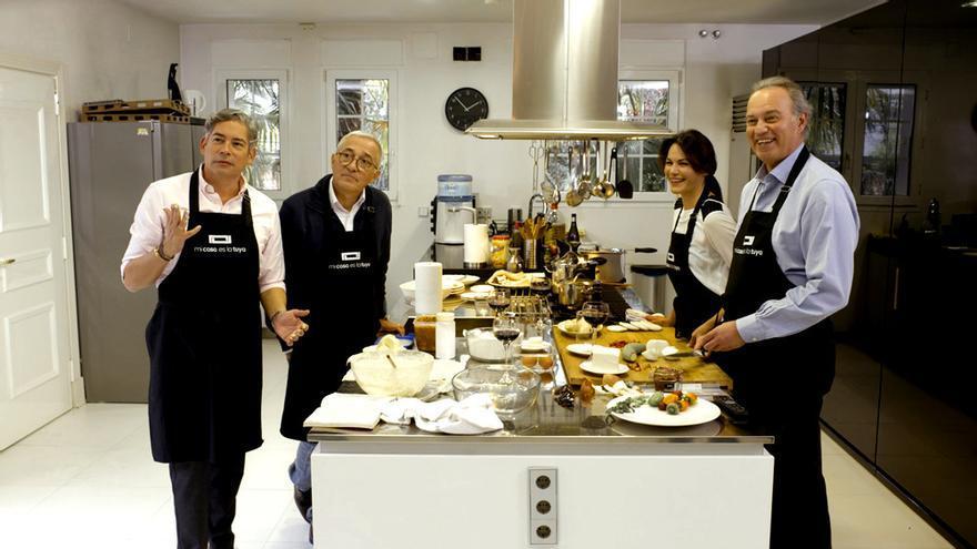 Boris, Sardá, Fabiola y Bertín en la cocina de 'Mi casa es la tuya'