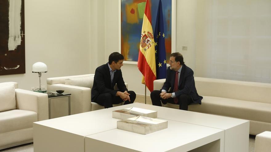 """Sánchez pide a Rajoy evitar """"provocaciones"""" con Cataluña y anuncia iniciativas legislativas del PSOE si no hay diálogo"""