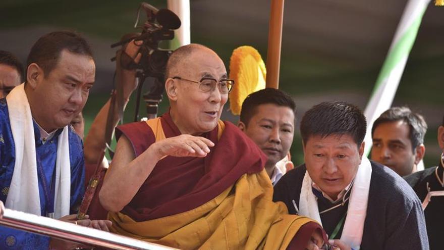 El dalái lama abre la puerta a una sucesora mujer y un posible regreso al Tíbet