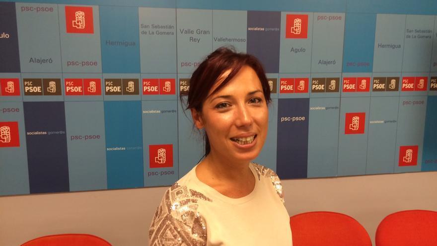 Patricia Hernández en la sede del PSOE en San Sebastián de La Gomera