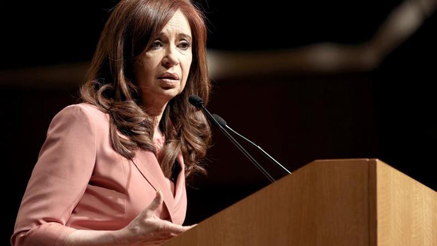 """Cristina Fernández suspende un acto electoral por sufrir """"unas líneas de fiebre"""""""