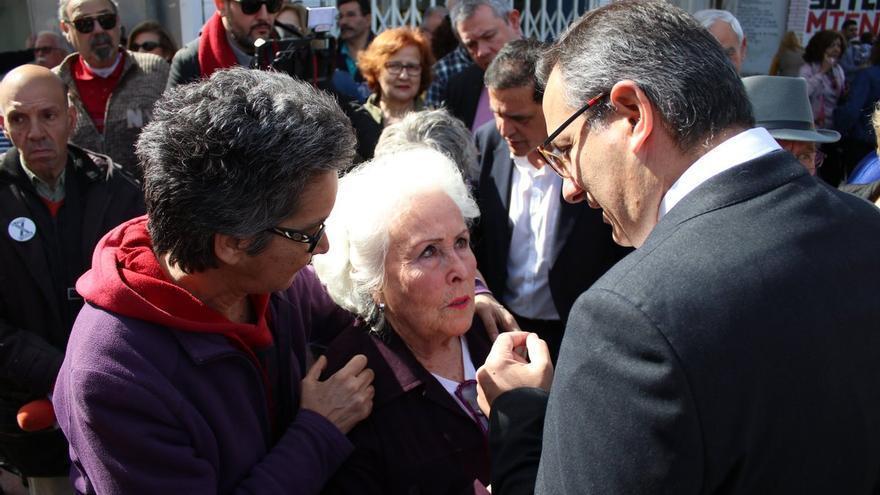 Diego Conesa con `la abuela de las vías´