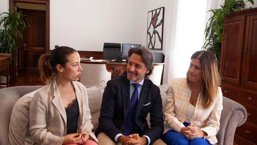 Patricia Hernández, Gustavo Matos y Matilde Zambudio, en la cita de este lunes en la Casa de los Dragos