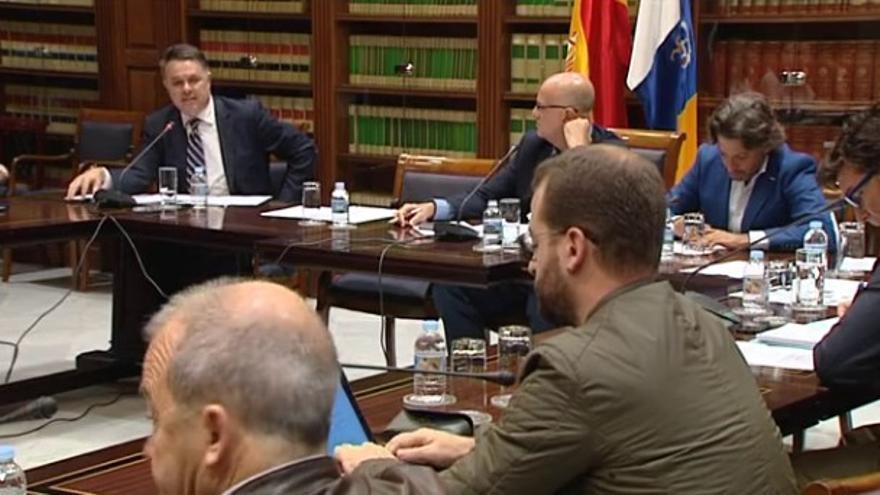 Comisión de control de RTVC del Parlamento de Canarias celebrada en mayo de 2016