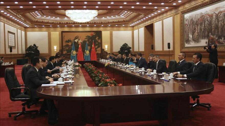 China y Kazajistán firman 30 acuerdos de cooperación en múltiples sectores