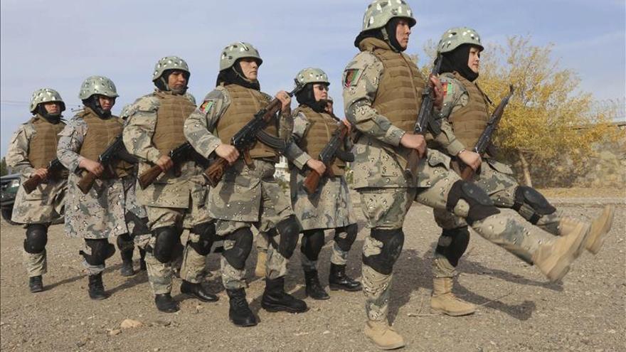 La OTAN marca el final de su misión de combate en Afganistán con una ceremonia