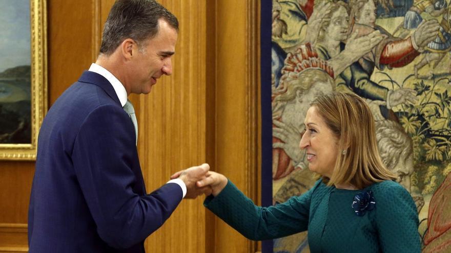 Zarzuela anunciará hoy el calendario de consultas del Rey con los líderes políticos para la investidura