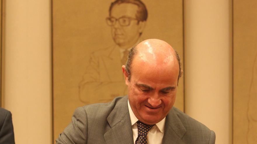 IU pedirá explicaciones a De Guindos por su ático al cuestionar que sea un ministro quien se beneficie de la crisis
