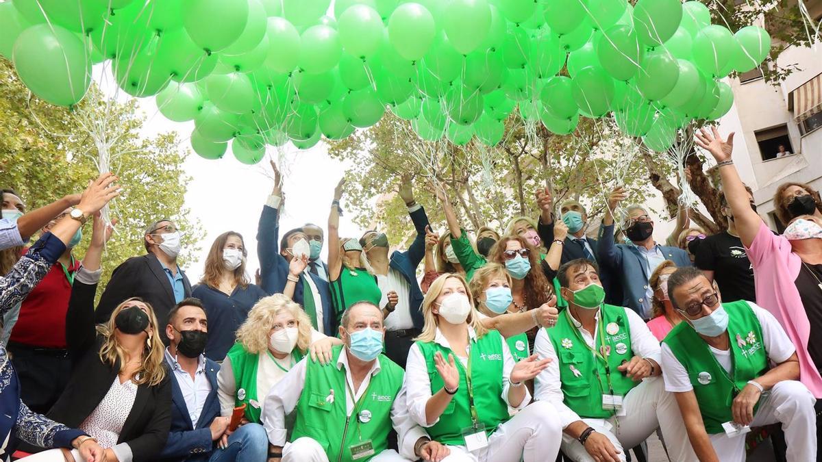 Celebración del Día Mundial de la Investigación del Cáncer con la Asociación Española Contra el Cáncer (AECC) en Córdoba.