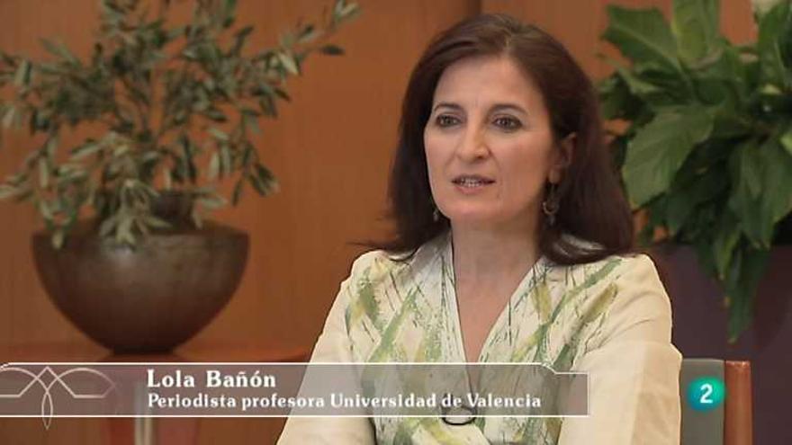 La periodista especializada en Oriente Medio, Lola Bañón, durante una entrevista en TVE