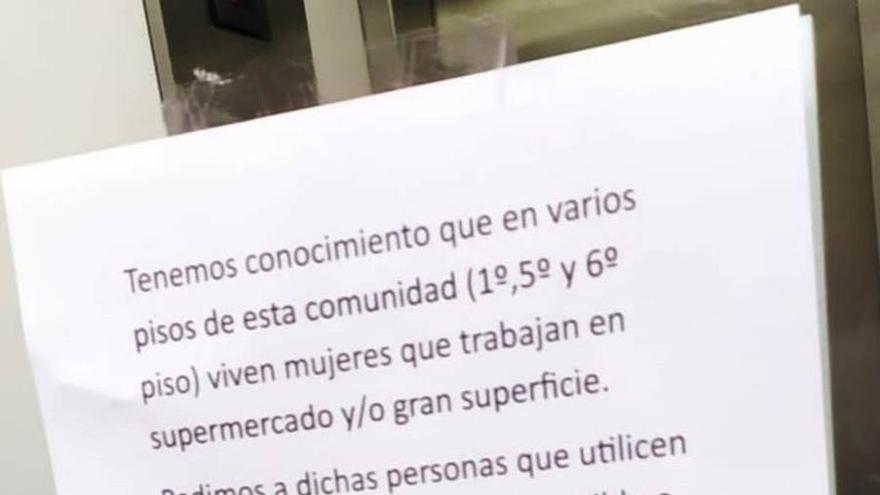 Investigan un cartel contra trabajadoras de supermercado en una comunidad de vecinos en Pamplona