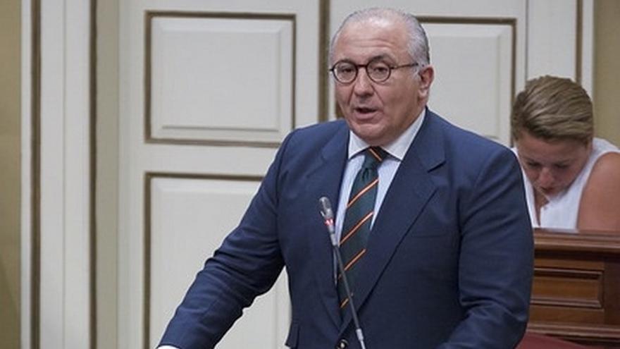 Emilio Moreno en el Parlamento de Canarias