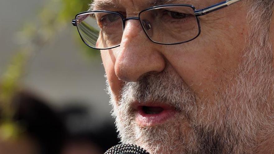 """Rajoy traslada """"fuerza y apoyo"""" a las enfermas de cáncer de mama"""