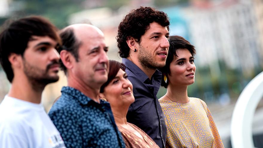 Sagardoy, Laskurain, Gabarain, Olivares y Mauleón; familia en 'Patria'