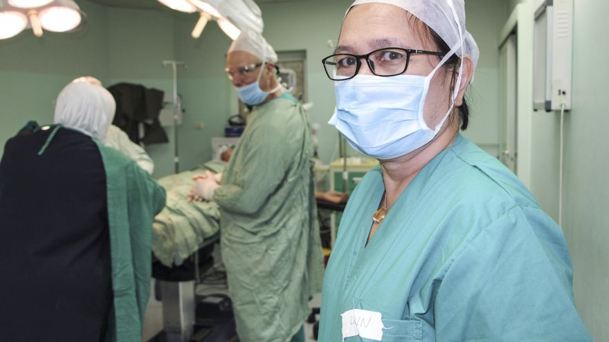 Lynn, cirujano ortopédico.