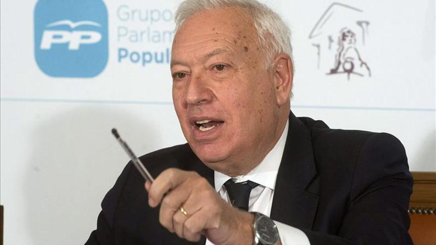 """Margallo aboga por un acuerdo en Ucrania que evite una """"guerra abierta"""" y sanciones"""