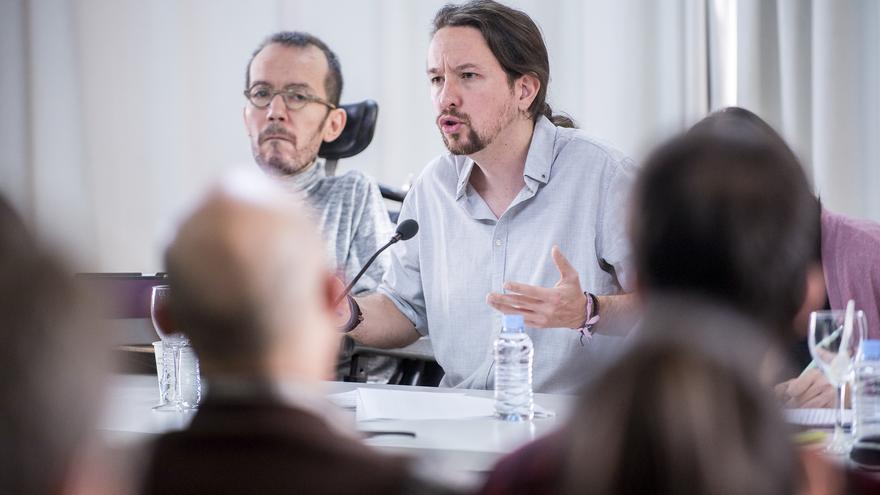 Pablo Iglesias, junto a Pablo Echenique, en el Consejo Ciudadano del sábado.