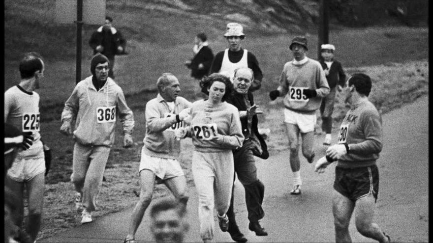 Kathrine Switzer, la primera mujer que corrió y finalizó la Maratón de Boston, cinco años antes de que las mujeres fueran admitidas de modo oficial.