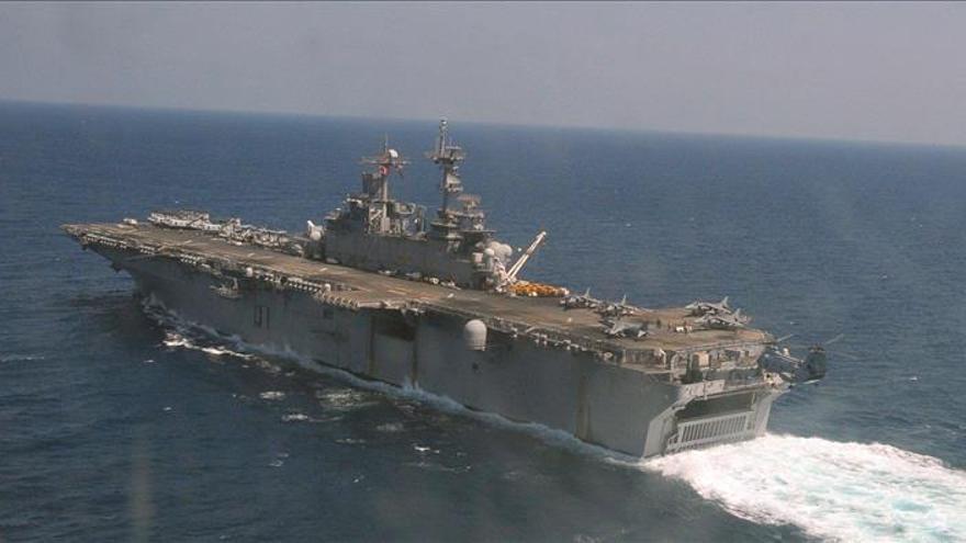 La Armada de EE.UU. acompañará a sus cargueros a su paso por estrecho de Hormuz