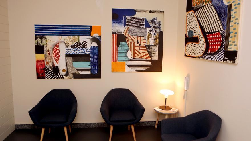 Exposición de Abraham Lacalle en el despacho de abogados R&P (ALEJANDRO RAMOS)