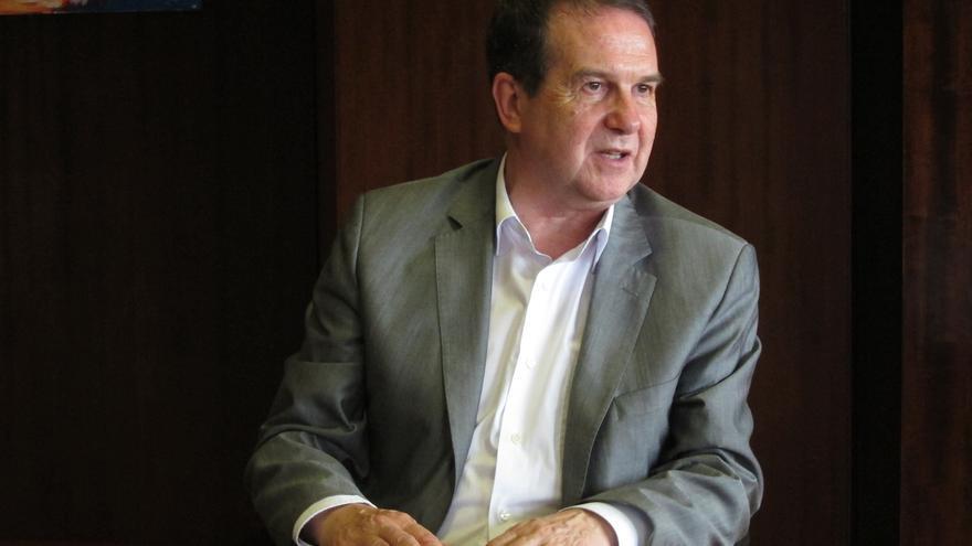 Caballero dice que la presencia de CDC en la FEMP es señal de que Cataluña y el resto de España tienen mucho en común