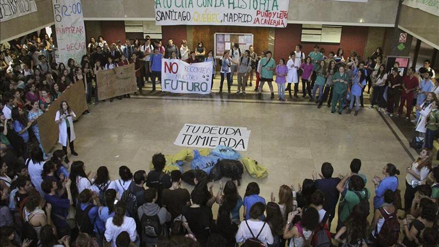 Los sindicatos y el Rectorado de la UCM se reúnen para tratar de evitar la huelga