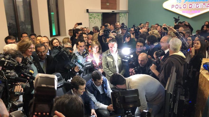 Pablo Casado y Juanma Moreno, este jueves, durante la apertura de campaña del PP andaluz.