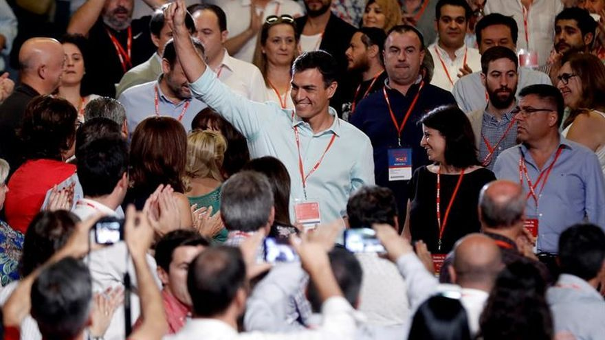 """Sánchez llamará a Iglesias y Rivera para reunirse y """"caminar juntos"""""""