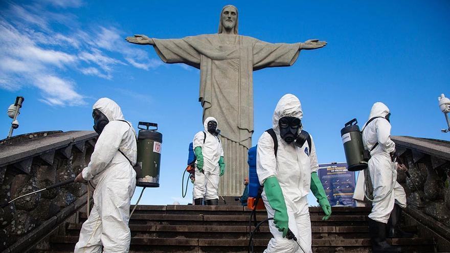 Los ministros de Salud de los 27 estados de Brasil piden al presidente Bolsonaro toque de queda nocturno para enfrentar la pandemia
