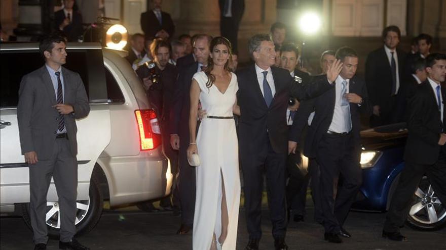 Miembros del nuevo Gobierno argentino asumen en la Casa Rosada