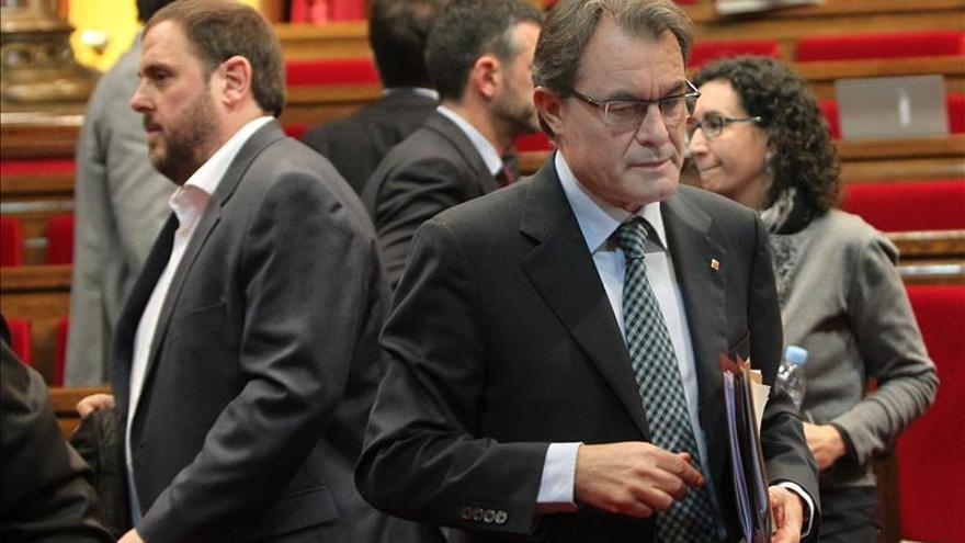 """Mas pacta la pregunta de la consulta, """"¿quiere que Cataluña sea un Estado?"""""""
