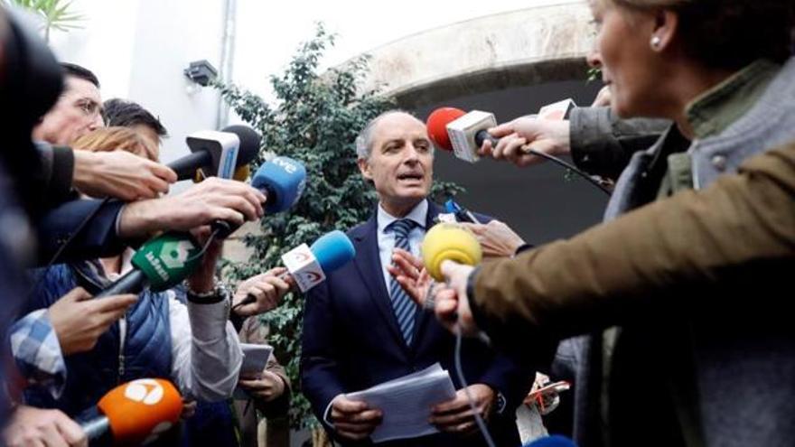 El expresidente de la Generalitat, Francisco Camps, a la salida del Consell Jurídic Consultiu