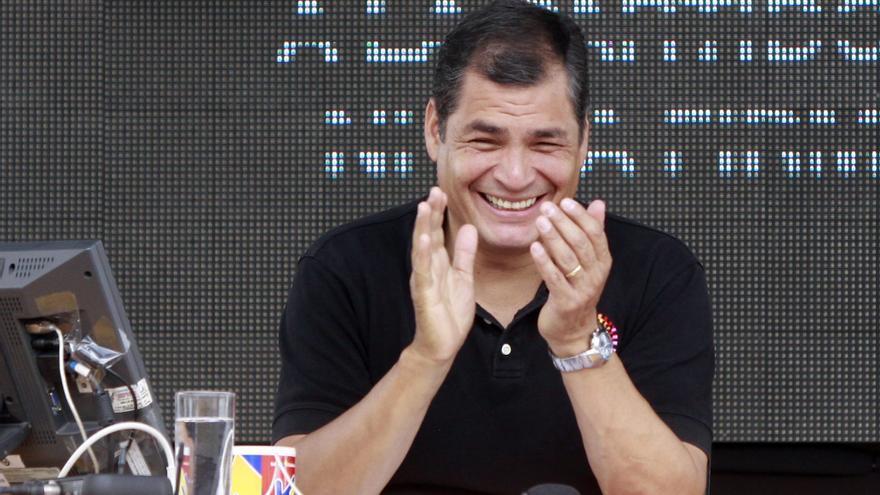 """Correa recuerda a quienes """"defendieron"""" la democracia de manos """"golpistas"""""""