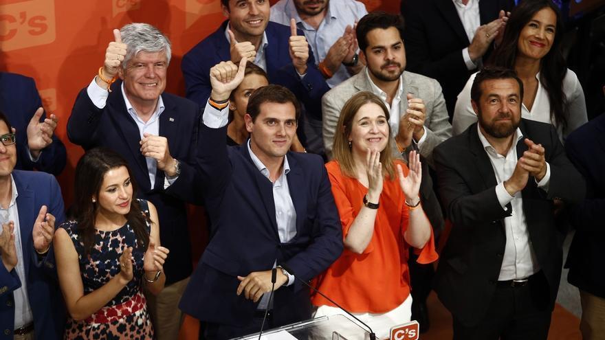 """Rivera dice que la ley electoral ha perjudicado a Ciudadanos pero que el centro """"ha venido para quedarse"""""""