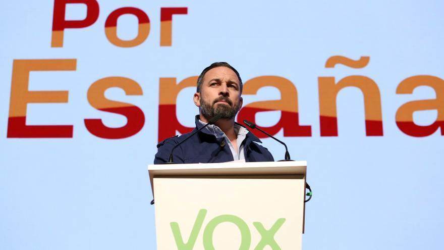 Santiago Abascal en un día en Toledo en el arranque de la campaña para el 28A.