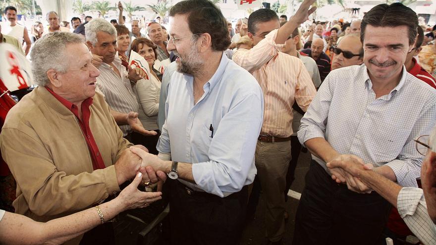 Mariano Rajoy, Francisco González y José Manuel Soria en el mitin del Partido Popular en Mogán pagado con fondos del Grupo Europa.