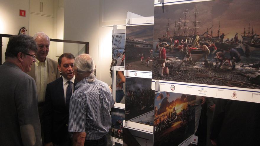 Este lunes se inauguró una exposición en el Casino de Tenerife sobre el particular