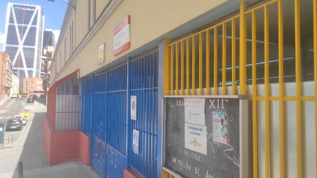 Colegio Público Pío XII, en la calle Delfín