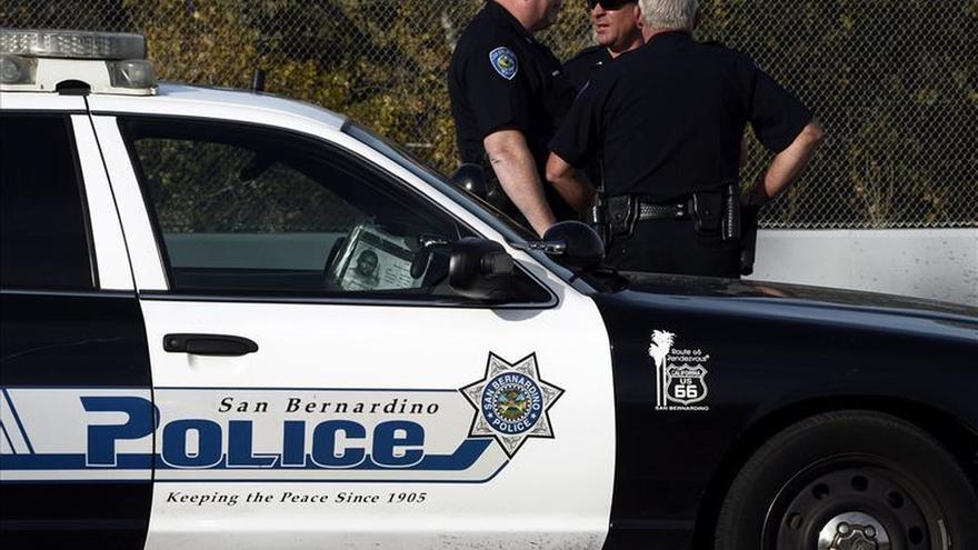 Aspirantes republicanos sugieren que el tiroteo en California fue terrorismo
