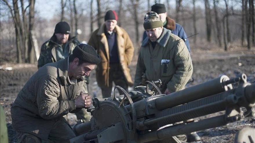 Al menos 18 civiles muertos a horas del alto en fuego en el este ucraniano
