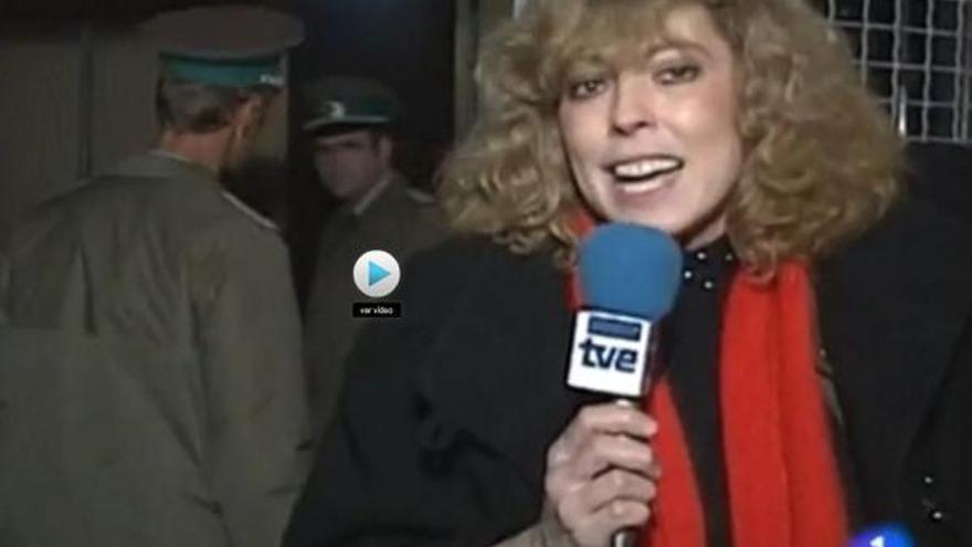 Rosa María Artal para Informe Semanal de TVE en el momento de abrirse el Muro de Berlín. 1989.