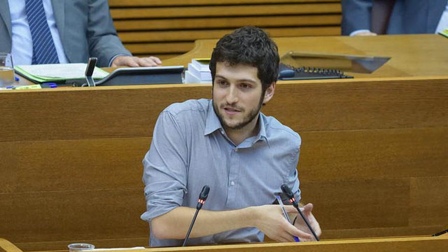 Antonio Estañ ha debutado como portavoz de Podem en el debate de política general