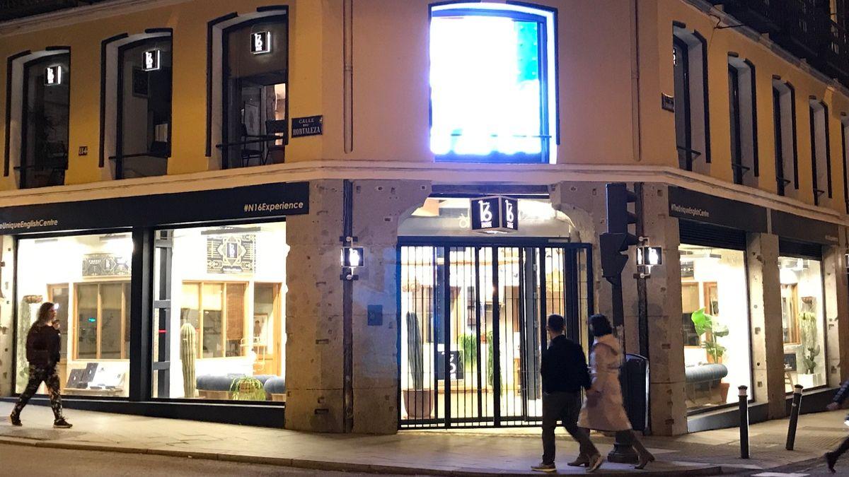 Pantalla LED en la calle Fernando VI | SOMOS CHUECA