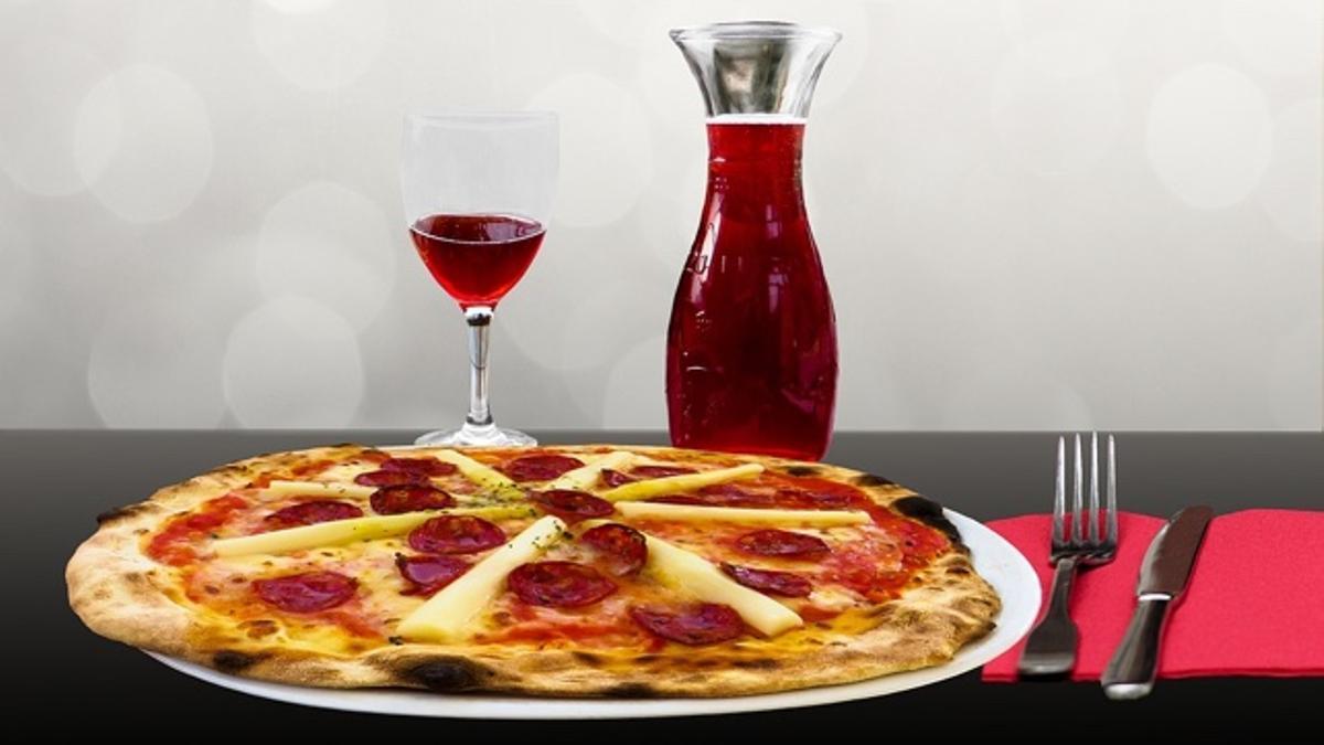 Pizza con vino: sí se puede