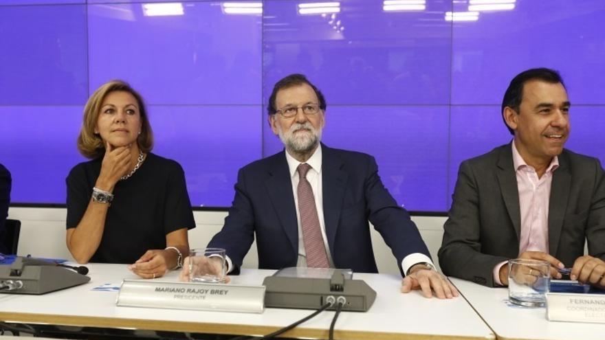 Rajoy llega a la sede del PP en Madrid para seguir con su equipo el escrutinio de las elecciones catalanas