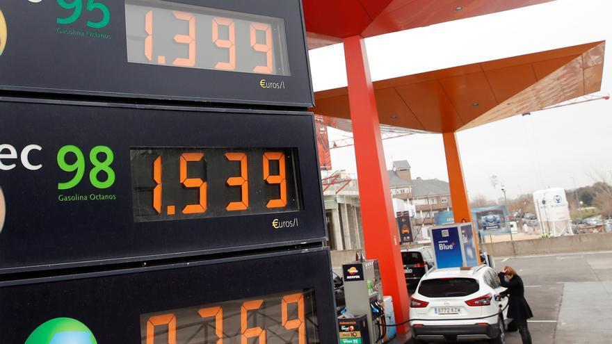 El consumo de carburantes cae un 18,5 % en febrero respecto a hace un año