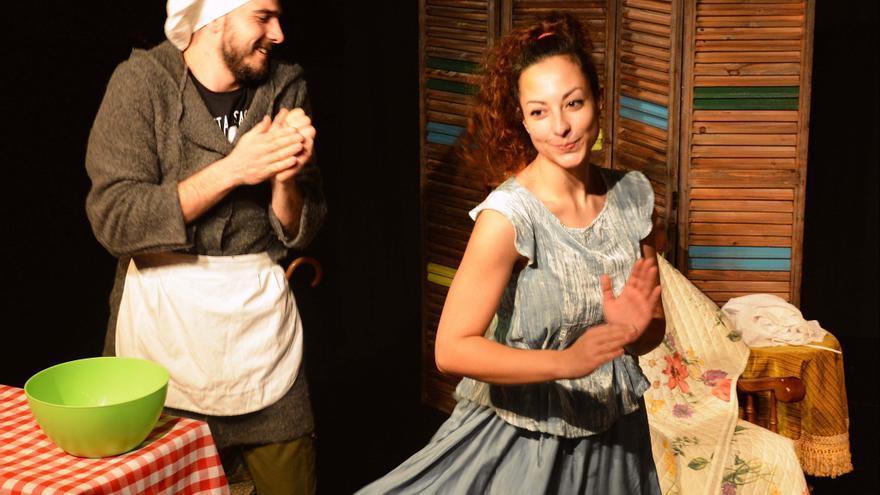 Escena de la obra 'Caperucita y el desván'