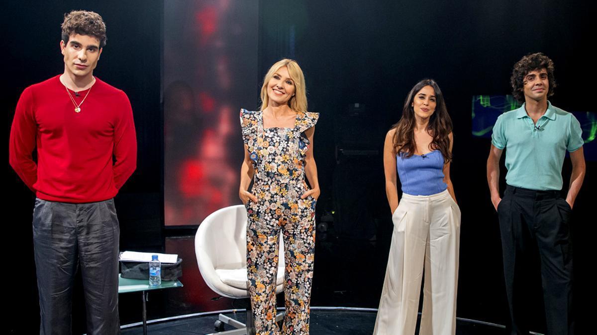 Los Javis y Macarena García, en 'Versión Española'